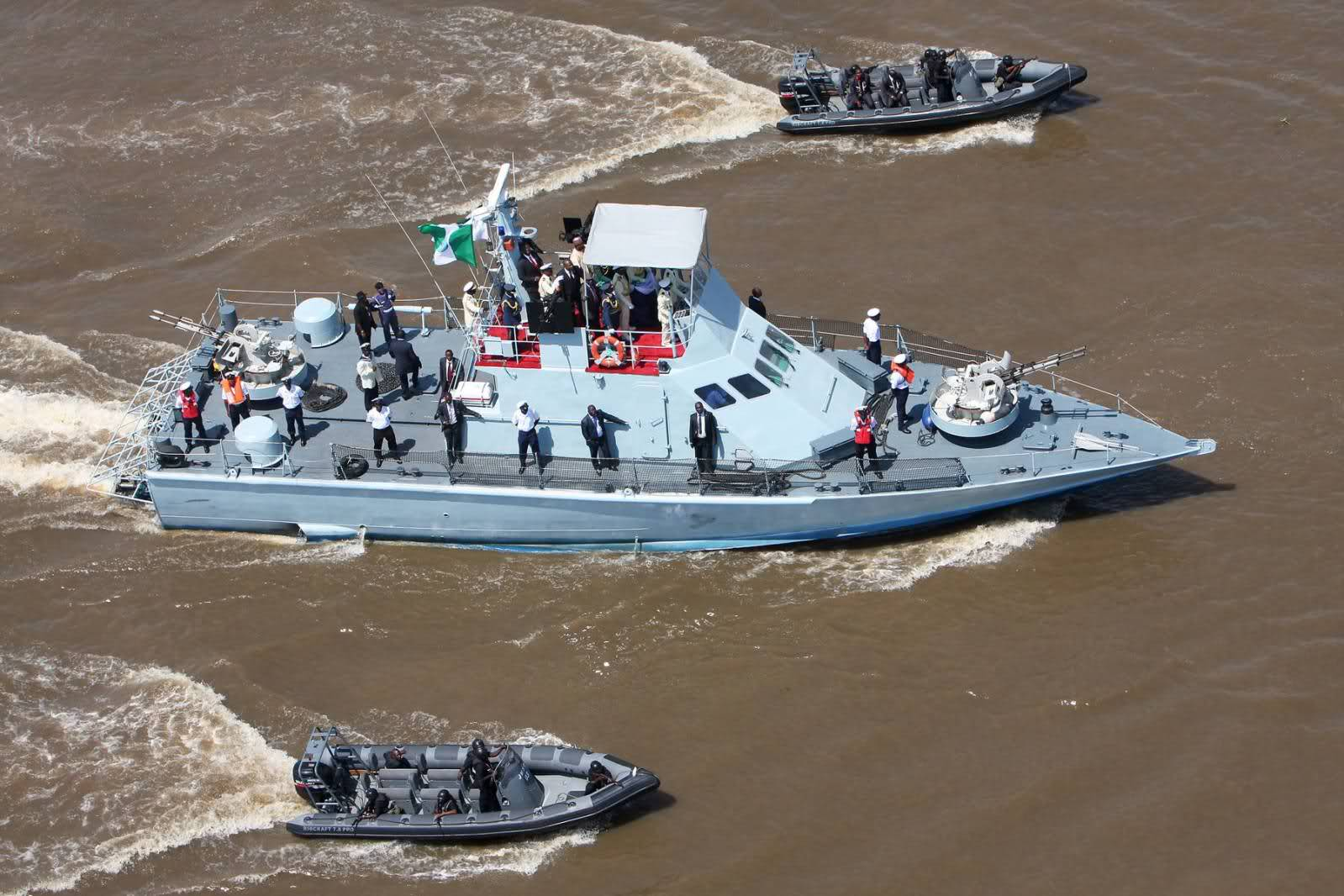 nigerian-navy-counter-piracy-demonstration-warboats-org